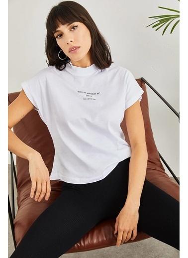 Sortee Kadın Yarım Balıkçı Yazılı T-Shirt Beyaz